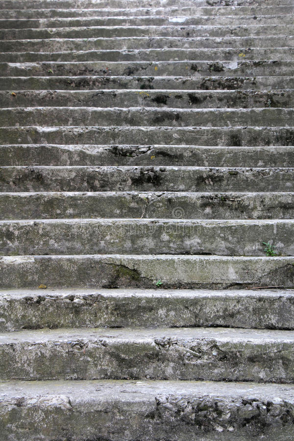 Escaleras de piedra viejas fotografía de archivo
