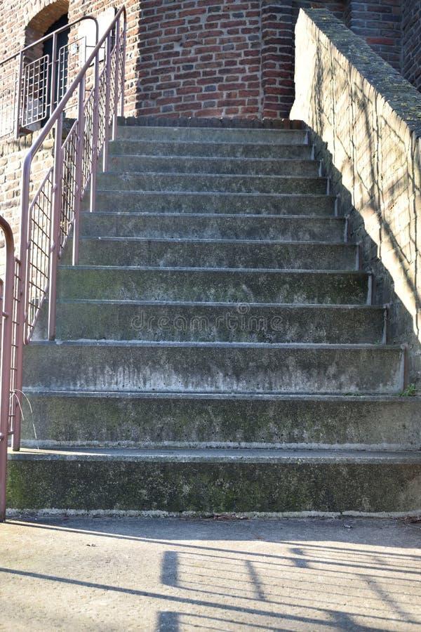 Escaleras del cemento foto de archivo libre de regalías