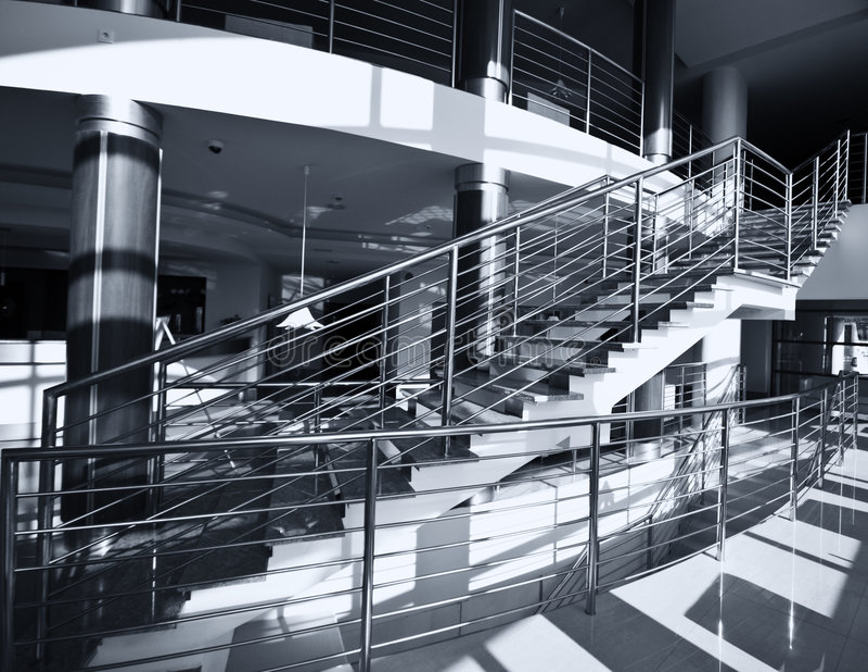 Escaleras del cromo imagen de archivo libre de regalías
