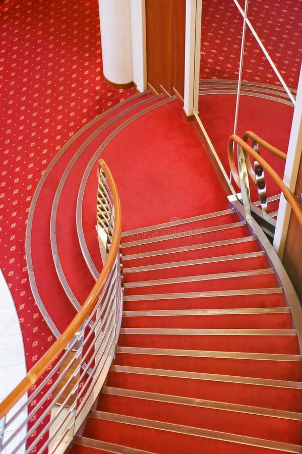 Escaleras del interior del barco de cruceros foto de archivo libre de regalías