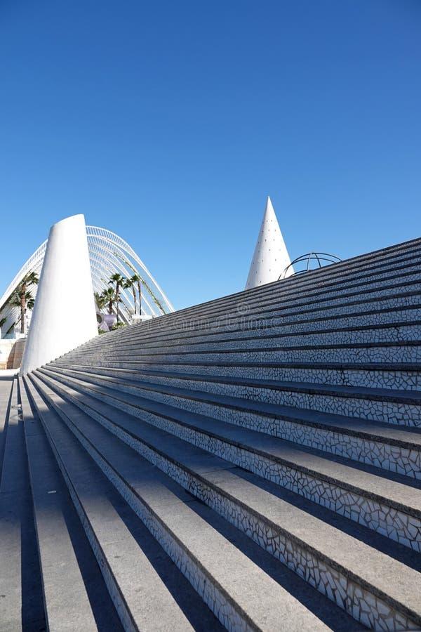 Escaleras del mosaico de la ciudad de artes y de ciencias en Valencia, España imagen de archivo libre de regalías