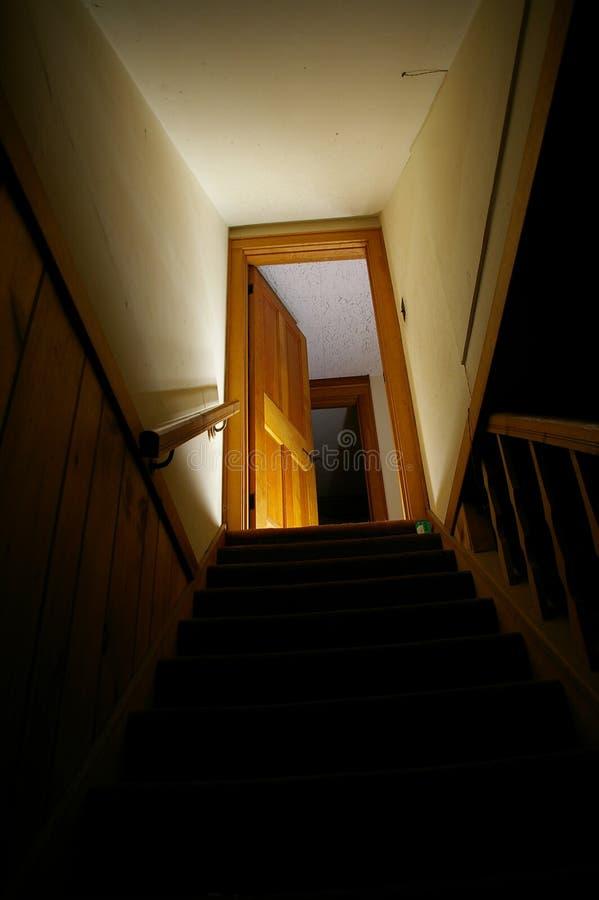 Escaleras del sótano imagen de archivo libre de regalías
