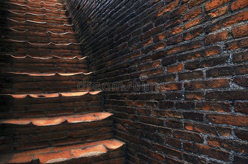 Escaleras del templo en Tailandia imagenes de archivo