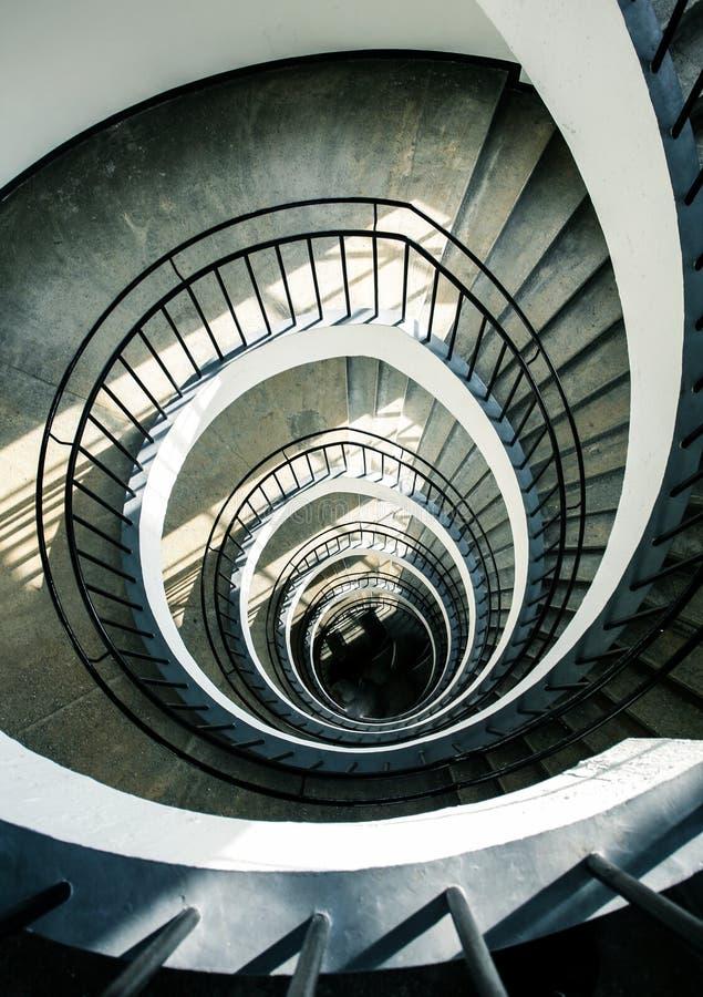 Escaleras espirales desde arriba imagen de archivo