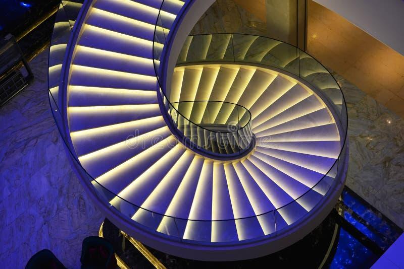 Escaleras espirales modernas foto de archivo libre de regalías