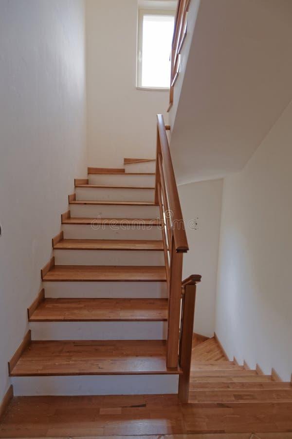 Escaleras interiores foto de archivo imagen 44180378 for Escaleras de madera interior precio