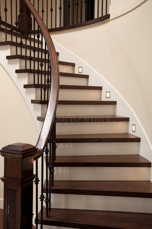 escaleras interiores foto de archivo imagen de madera 9775970. Black Bedroom Furniture Sets. Home Design Ideas