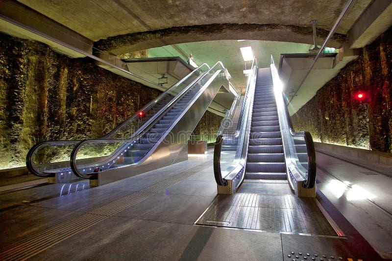 Escaleras móviles en la estación de metro del ZAR Genil del ¡de Alcà fotografía de archivo libre de regalías