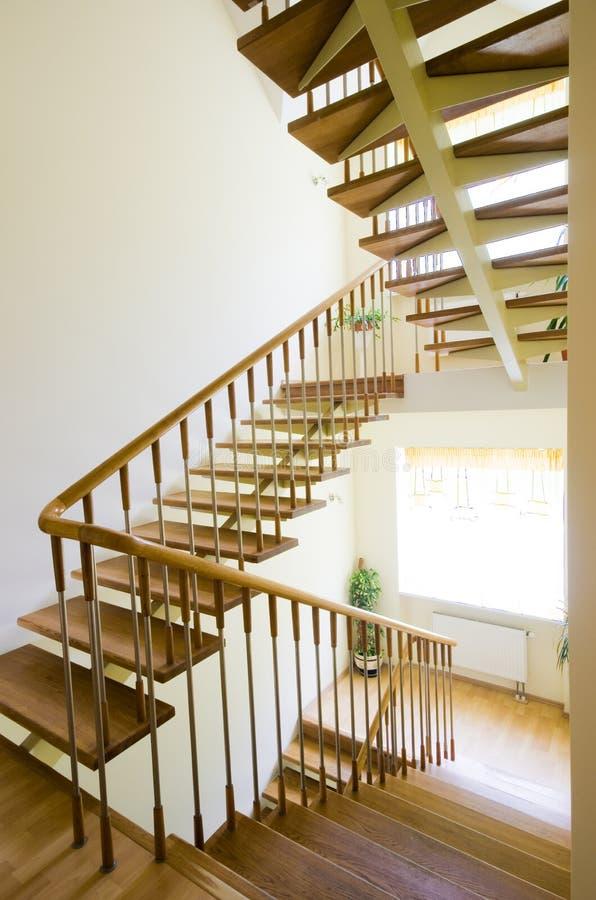 Escaleras para arriba imagen de archivo