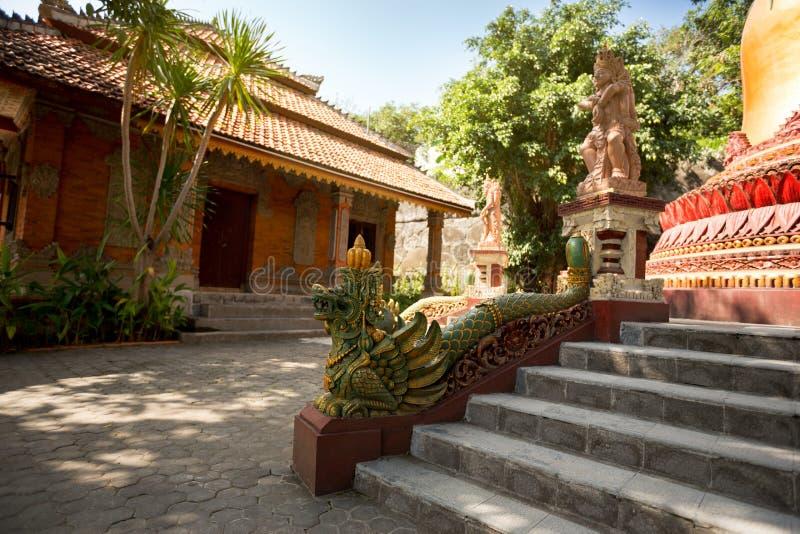 Escaleras talladas con la criatura hindú imagen de archivo libre de regalías