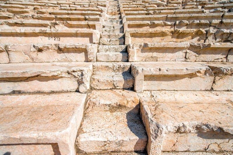 Escaleras viejas del teatro romano en Plovdiv imagenes de archivo