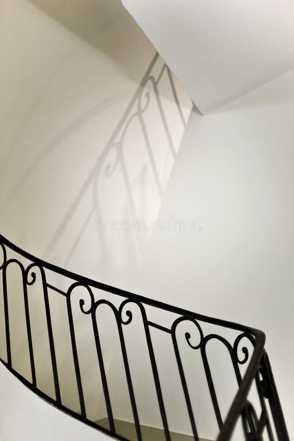 Escaleras y barandilla fotos de archivo