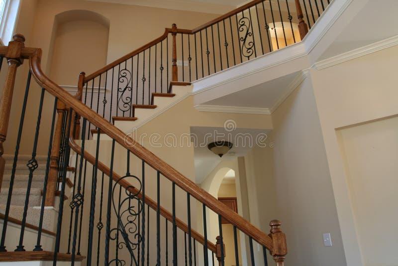 Escalier à la maison de luxe photos libres de droits