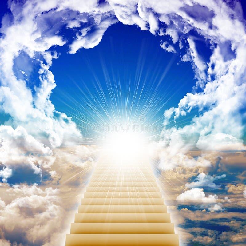 Escalier amenant à la lumière lumineuse images stock