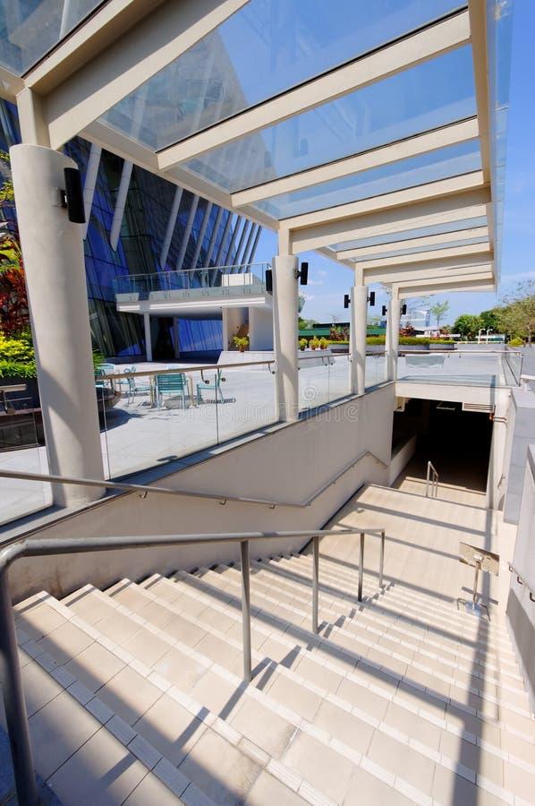 Escalier avec le toit en verre photos libres de droits