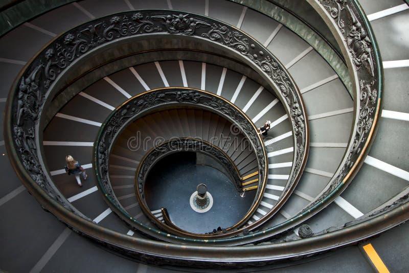 Escalier circulaire au musée de Vatican à Ville du Vatican, Italie photographie stock libre de droits