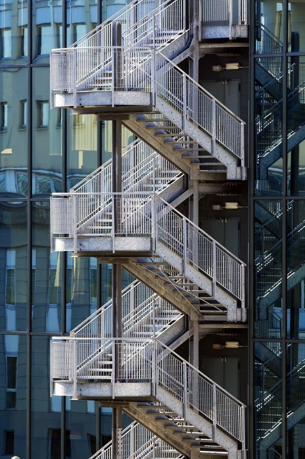 Escalier d'évasion d'incendie image libre de droits