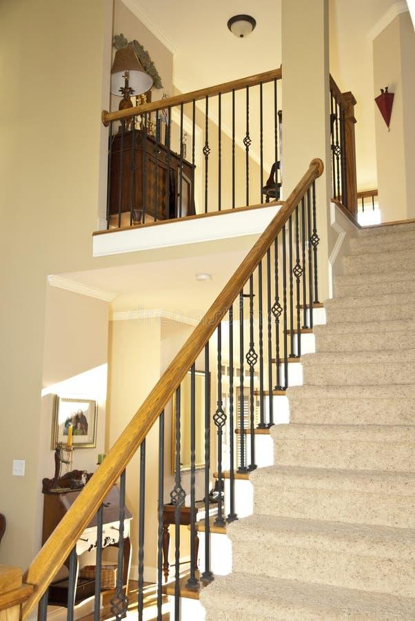 escalier de maison moderne photo stock image du escalier. Black Bedroom Furniture Sets. Home Design Ideas