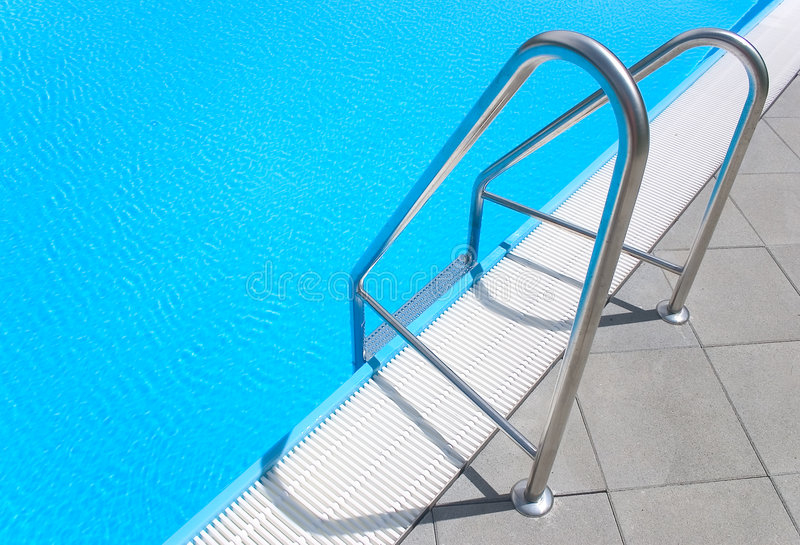 Escalier de piscine