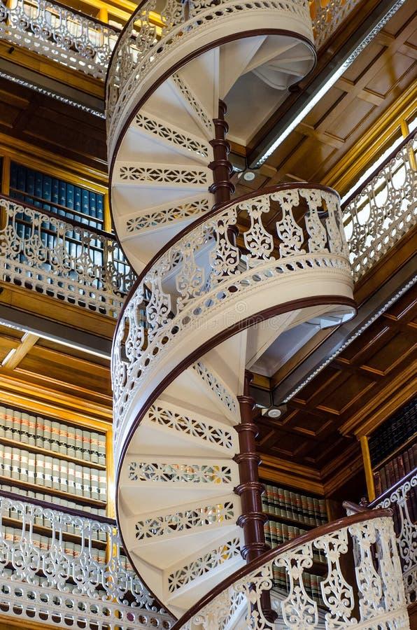 Escalier en spirale à la bibliothèque juridique dans le capitol d'état de l'Iowa image libre de droits