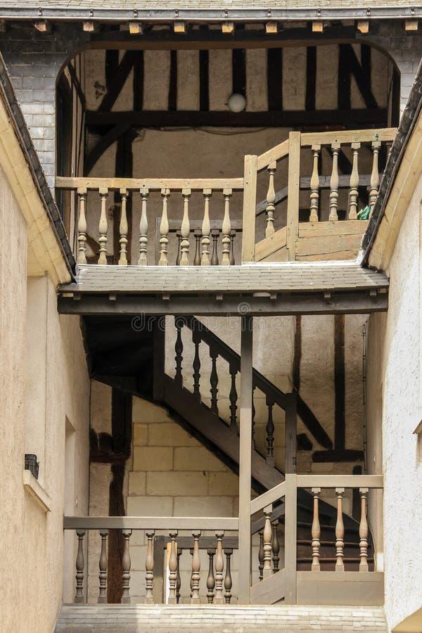 Escalier et balcon médiévaux excursions france image libre de droits
