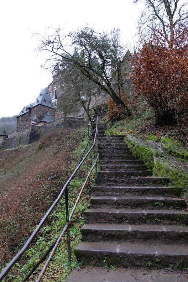 Escalier médiéval de château d'Eltz de Burg photos libres de droits