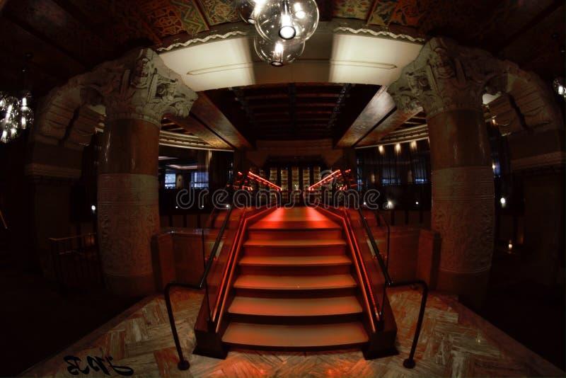 Escalier/passage couvert photo stock