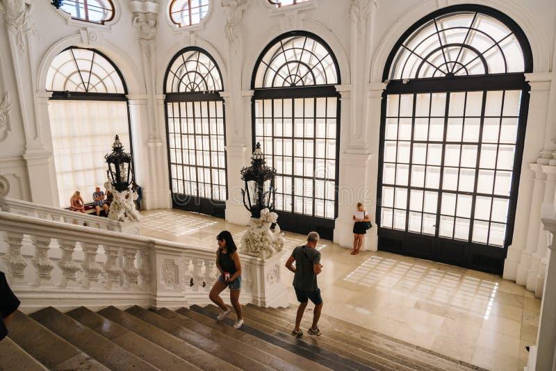 Escalier principal dans le palais de belvédère à Vienne photo stock