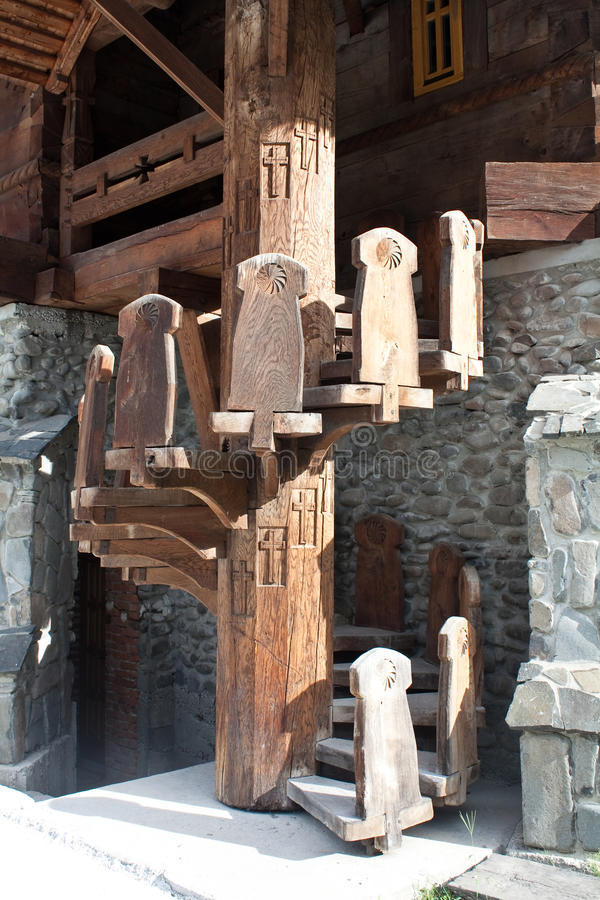 Escalier spiralé en bois photo libre de droits