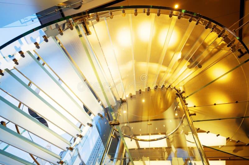 Escalier spiralé en verre images libres de droits