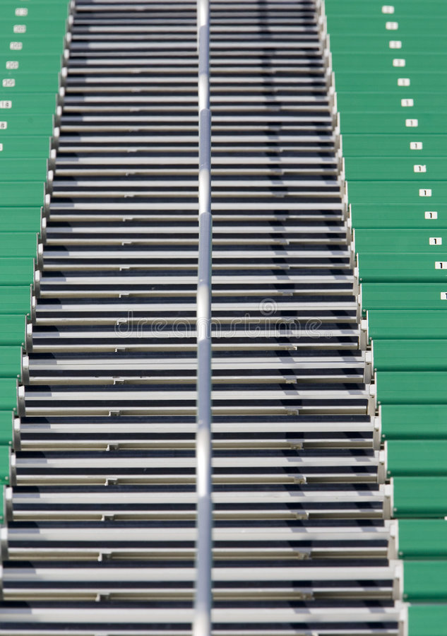 Escaliers à un stade images stock