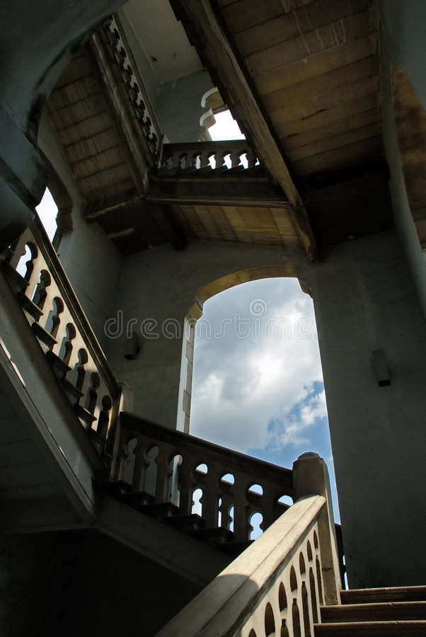 Download Escaliers image stock. Image du hall, lumière, aller, musulmans - 742445