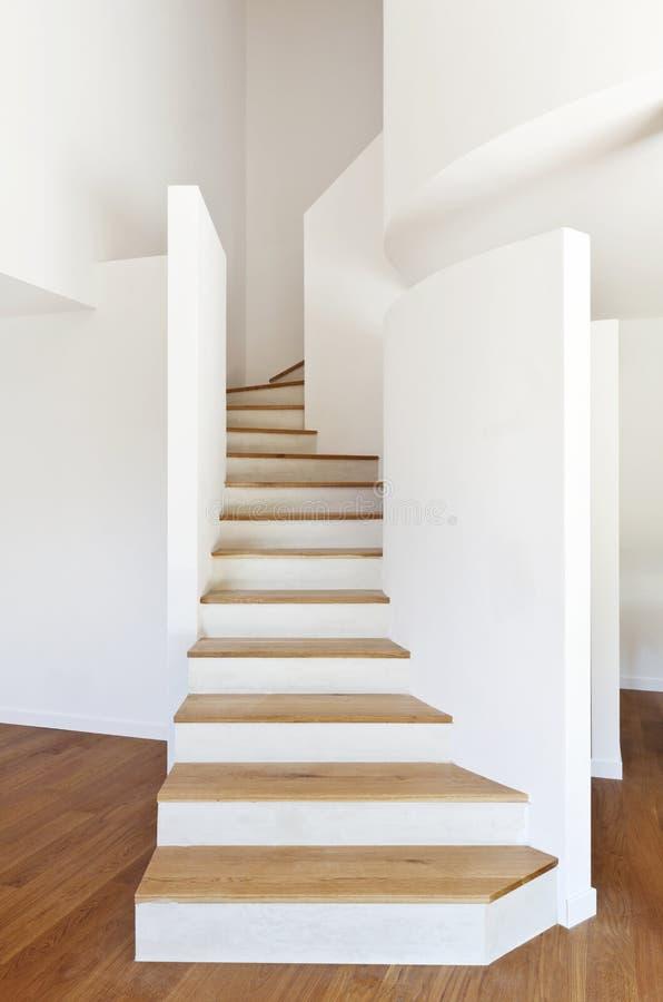 Escaliers blancs images libres de droits