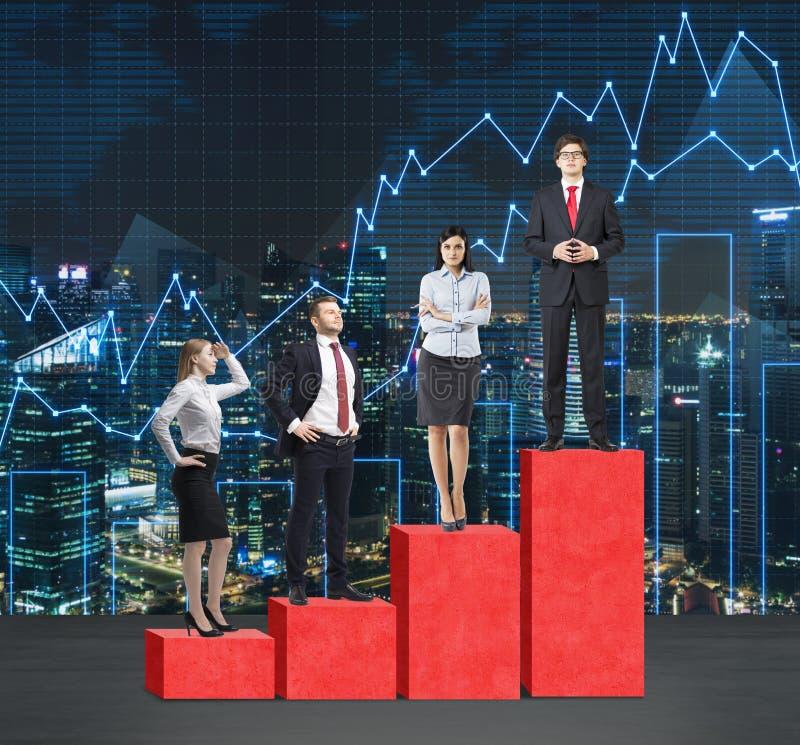 Escaliers comme histogramme rouge énorme Les gens d'affaires se tiennent sur chaque étape comme concept de la gamme des problèmes photographie stock libre de droits