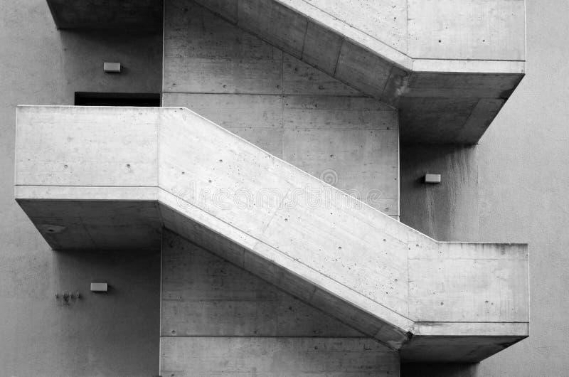 Escaliers concrets images libres de droits