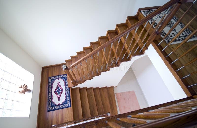 escaliers dans la maison moderne image libre de droits. Black Bedroom Furniture Sets. Home Design Ideas