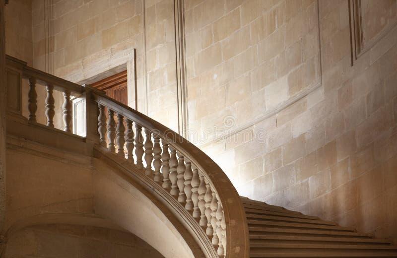 Escaliers dans Palacio de Carlos V images libres de droits