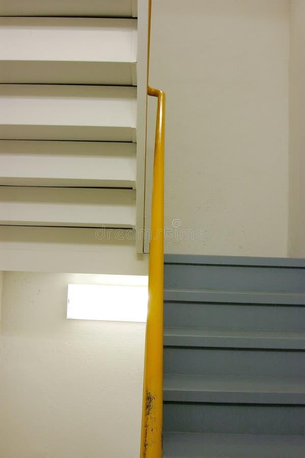 Escaliers de bureau photos stock