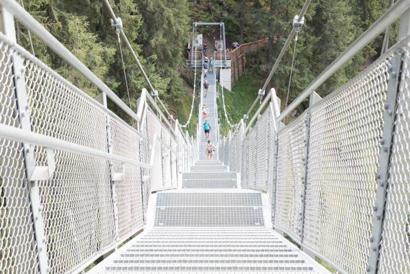 Escaliers en métal - pont image libre de droits