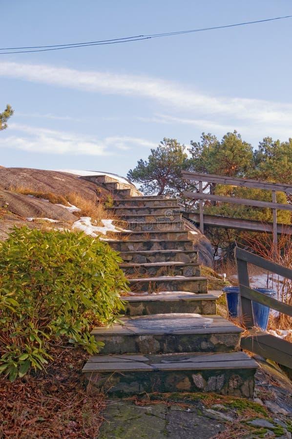 Escaliers en pierre à la maison images stock