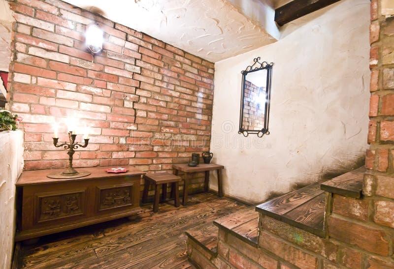 Escaliers intérieurs rustiques photographie stock libre de droits