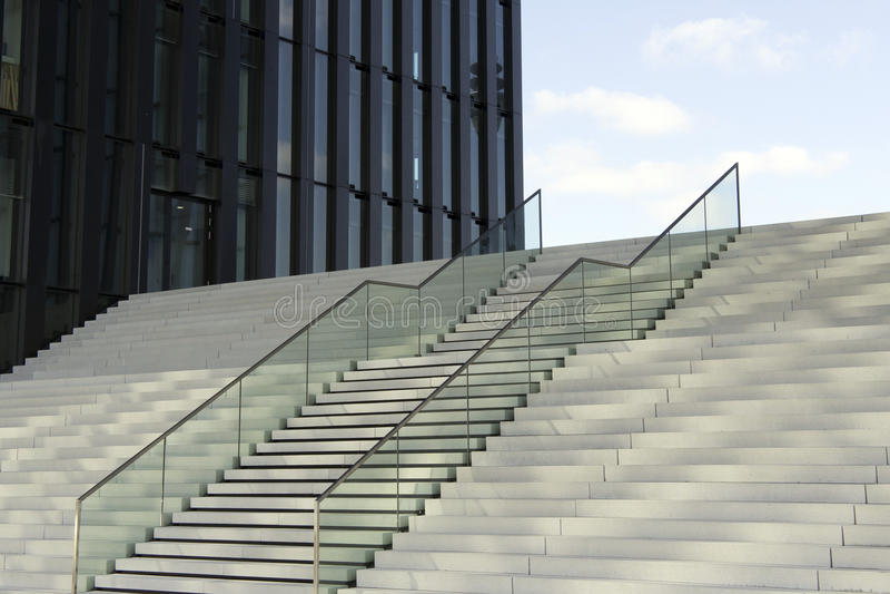 Escaliers modernes photographie stock