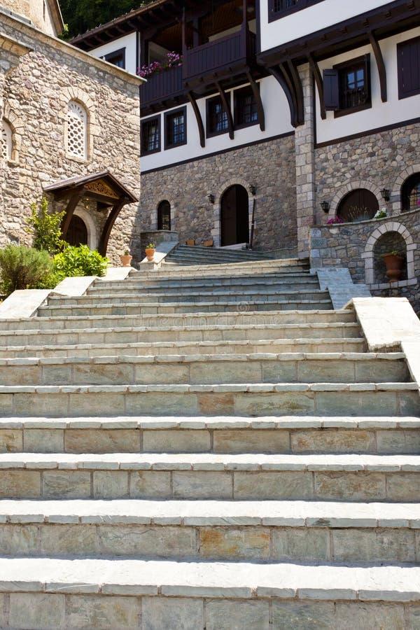 Escaliers pierreux au SV. Monastère de Jovan Bigorski. images stock