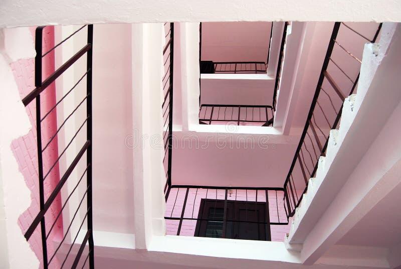 Escaliers roses. photos stock