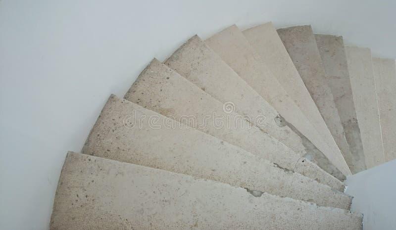 Download Escaliers spiralés image stock. Image du pierre, intérieur - 77158113