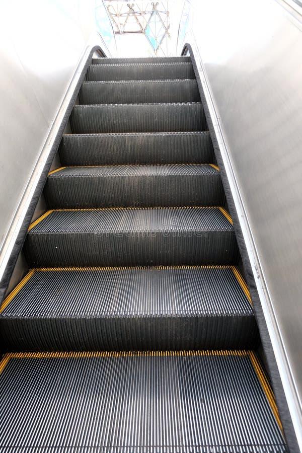Escaliers sur la route photo stock