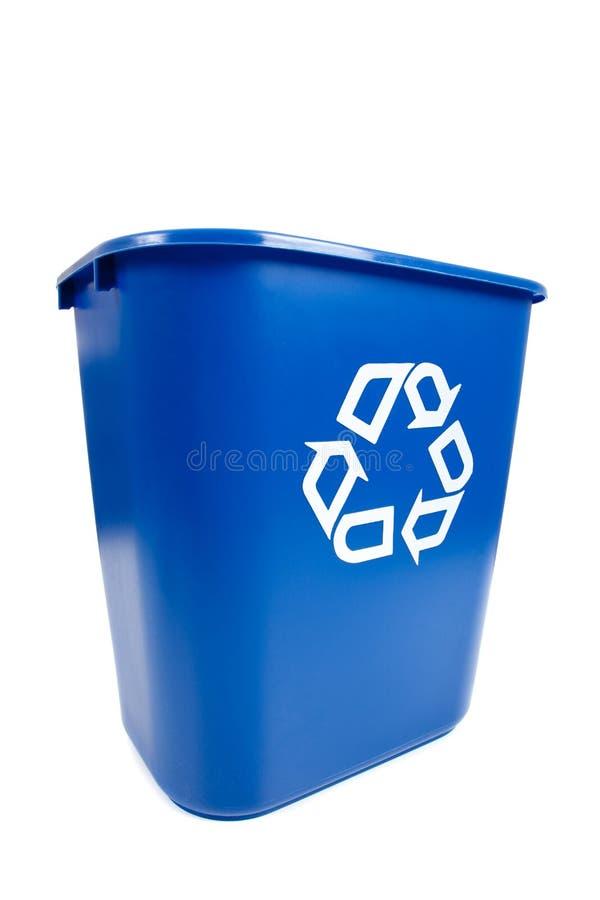 Escaninho azul de Recucle - recicl, tema ambiental foto de stock