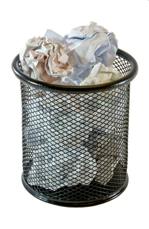 Escaninho de lixo cheio fotos de stock