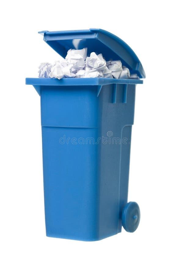 Escaninho de recicl com papel imagem de stock royalty free