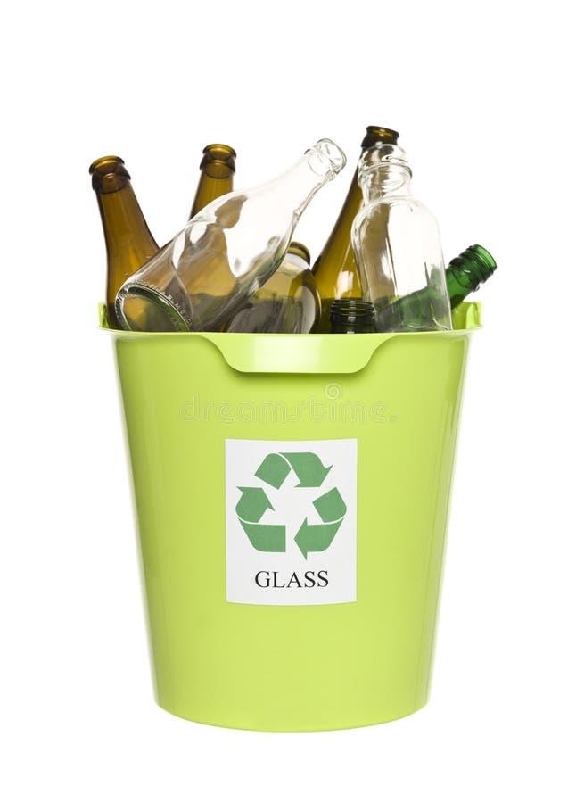 Escaninho de recicl com vidro foto de stock